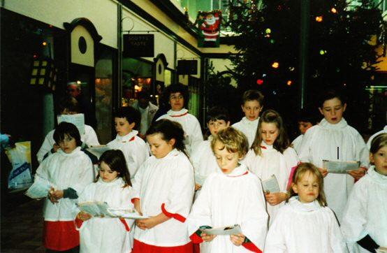 The Choir raising funds by singing in Stirling Shopping Centre 'The Thistles'